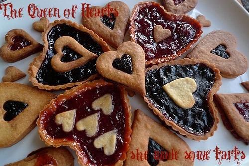 queen of hearts    alice in wonderland party ideas